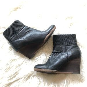 Frye Sz 6 Corby Side Zip Wedge Heel Ankle Boots